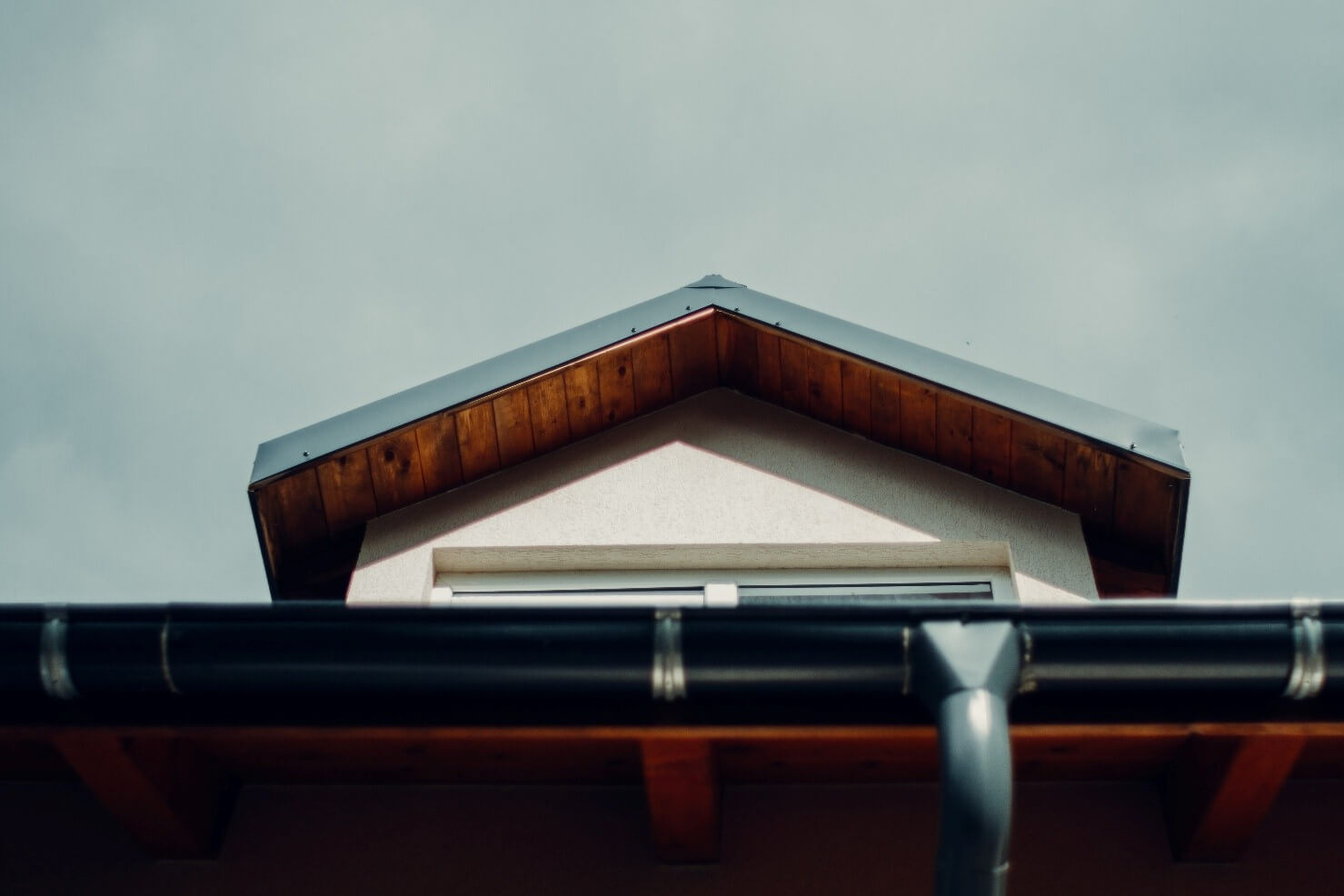 Simple Guide to Keep Your Eavestroughs Clean